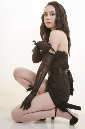 Aureline tantra massage in Robbinsdale