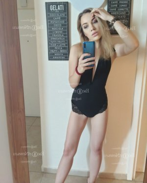 Faeza nuru massage